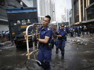 Hong Kong'da barikatlar böyle kaldırıldı