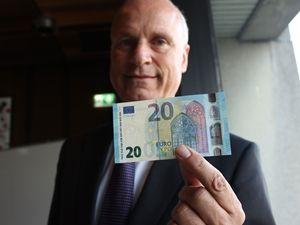 Yeni Euro tanıtıldı