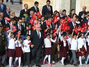 23 Nisan tüm yurtta törenlerle kutlandı
