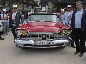 Klasik otomobil tutkunları Ankara'da buluştu