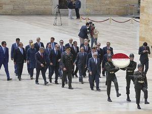 65. Hükümet üyelerinden Anıtkabir ziyareti