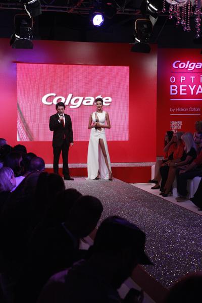 IFW 2012 - 1'inci Gün: Colgate Optik Beyaz by Hakan Öztürk galerisi resim 1