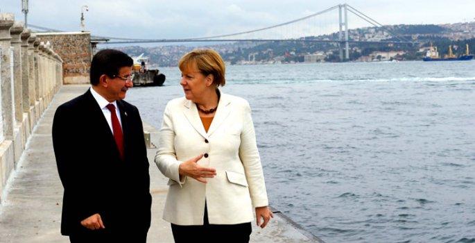Merkel'den Türkiye'ye mülteci desteği