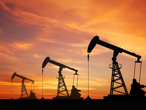 Azerbaycan bir kuyudan daha petrol çıkarmaya başladı