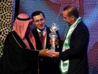 Erdoğan, Mümtaz Şahsiyet Ödülü'nü aldı