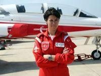 Türk Yıldızları'nın ilk kadın pilotu 19 Mayıs'ta uçacak