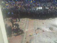 Kiev'de patlama: 1 polis öldü, onlarca yaralı var