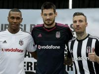 Beşiktaş'ta imza töreni