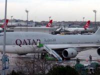 THY uçağı Katar Emiri'nin uçağına sürttü