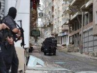 Jandarma karakoluna saldırdı: 2 yaralı