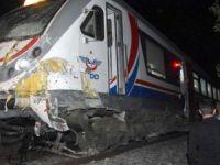Raybüs, traktöre çarptı:2 çocuk ölü