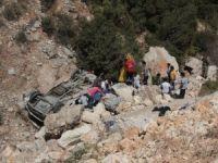 Hatay'da minibüs devrildi: 8 ölü