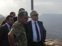Hakkari Valisi, sınır birliklerini ziyaret etti