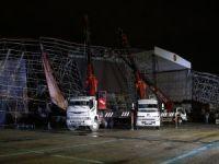 AKM'de tören için kurulan platform çöktü