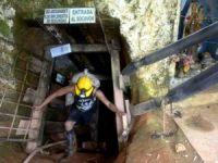 Kolombiya'da madeni su bastı: 12 işçi mahsur