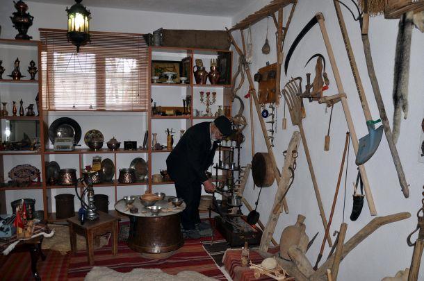 Ibrahim özdemir kırşehir deki 3 katlı evini müzeye çevirdi