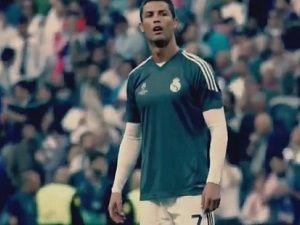 Ronaldo'dan küçük hayranına formalı özür...