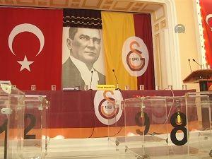 Galatasaray Başkanını seçiyor...
