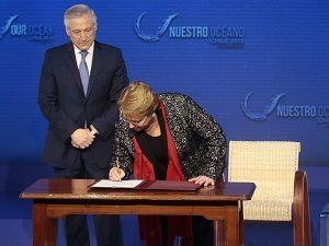 Dünya ticaretinin yüzde 40'ına yön verecek anlaşması imzalandı