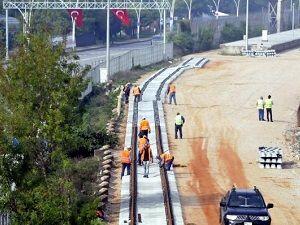 İki büyük sektörü rahatlatacak demiryolu hattının döşenmesine başlandı