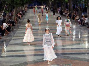Chanel modayı Küba sokaklarına indirdi