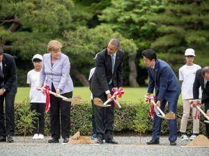Dünya Liderleri eline kürek alıp ağaç dikti!