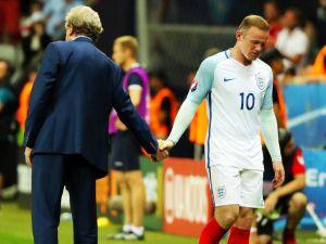 Hodgson istifa etti!