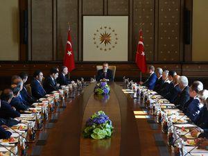 Cumhurbaşkanı, Kulüpler Birliği heyetini kabul etti
