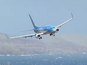 Usta pilot uçağı böyle indirdi!