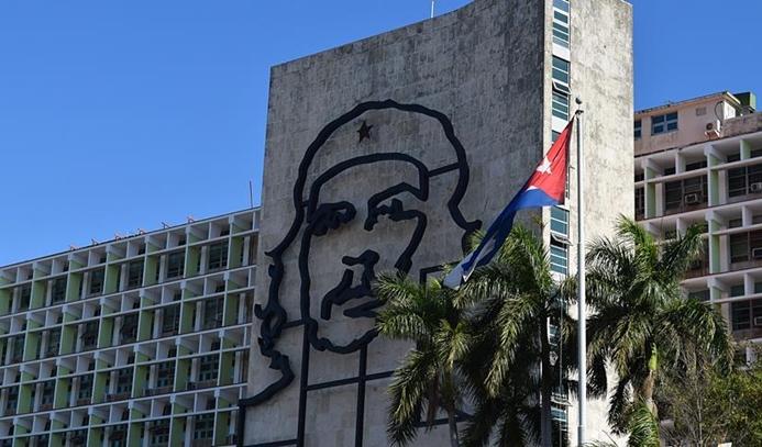 Küba'da meclis yeni kabineyi onayladı