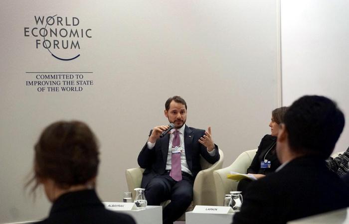 Bakan Albayrak Davos'ta CEO'larla görüştü
